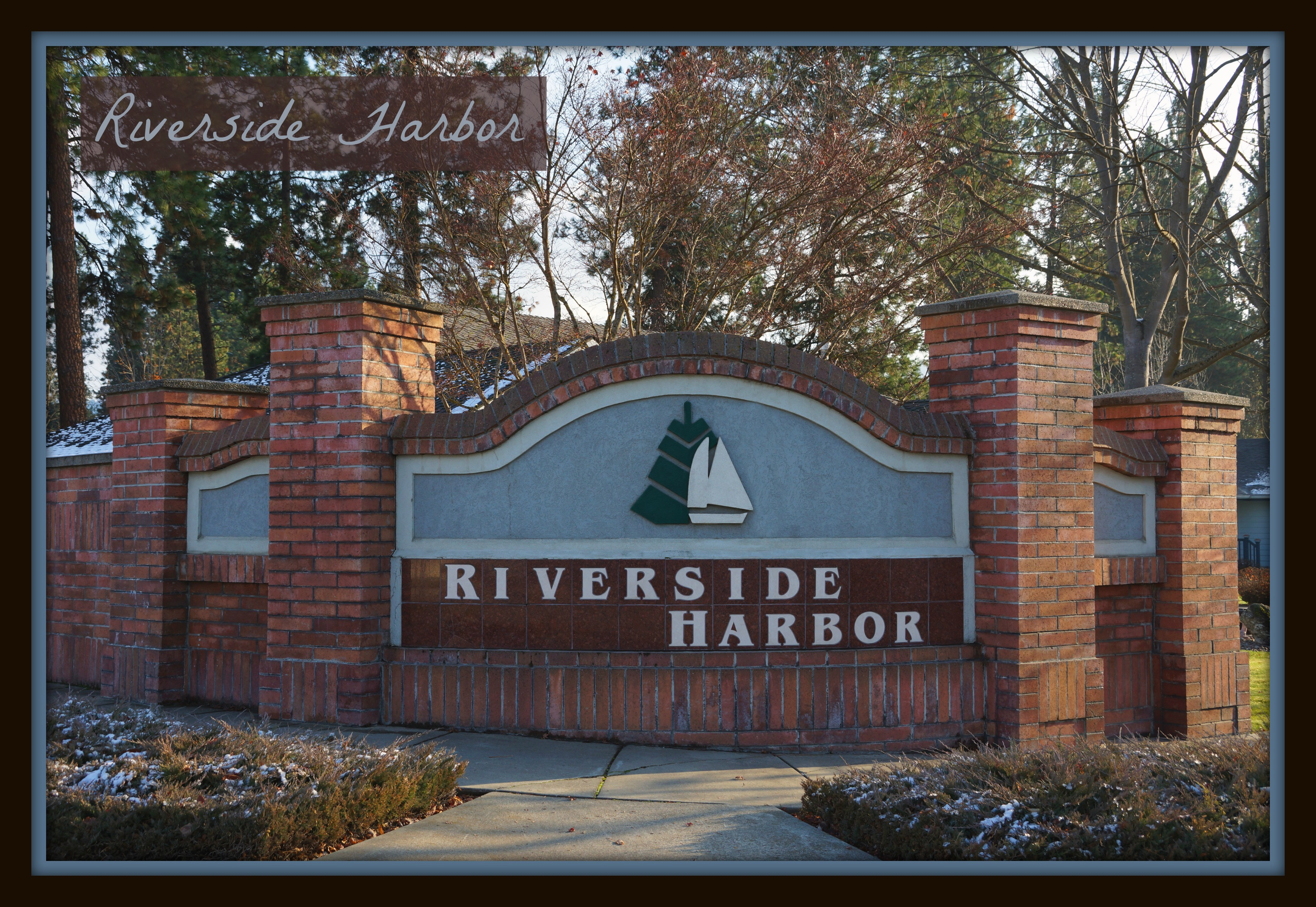 where is riverside harbor